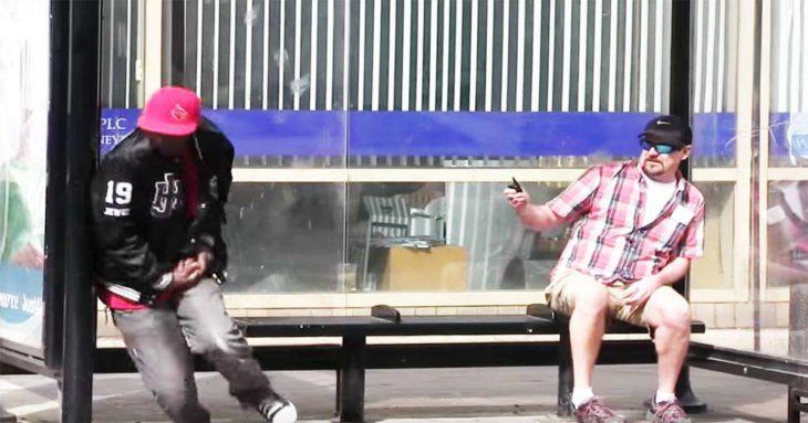"""Video del experimento Social """"Robarle el celular a un hombre dormido"""""""