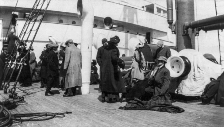 sobrevivientes en el barco