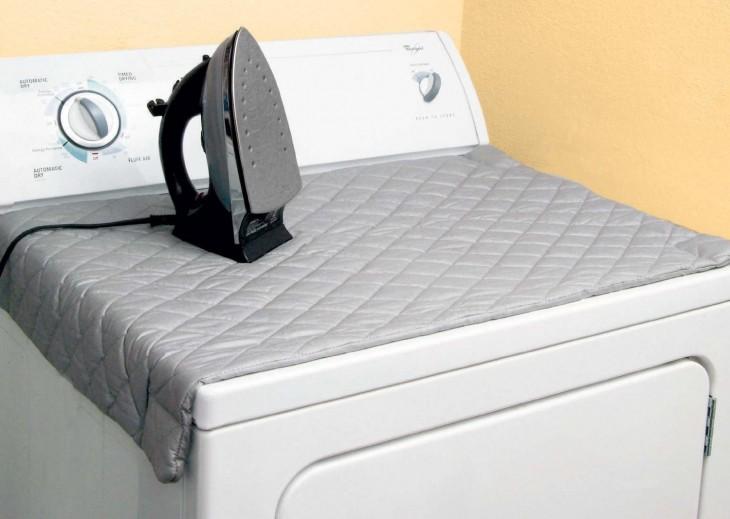 tapete magnético para planchar sobre una lavadora