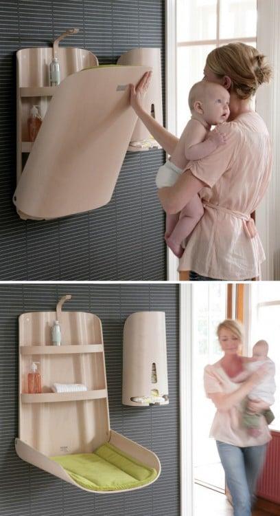 estante de baño que a su vez se puede usar como un cambiador de pañales para bebé