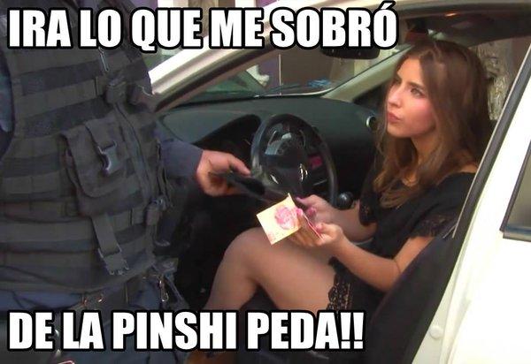 LADY 100 PESOS EN LA PEDA