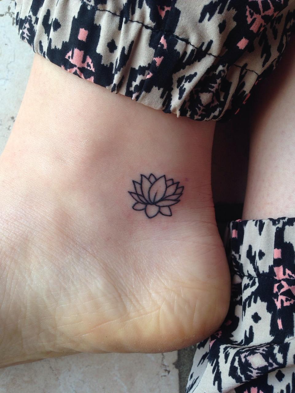 30 tatuajes elegantes y sutiles para mujeres con estilo - Tatuajes de pared ...
