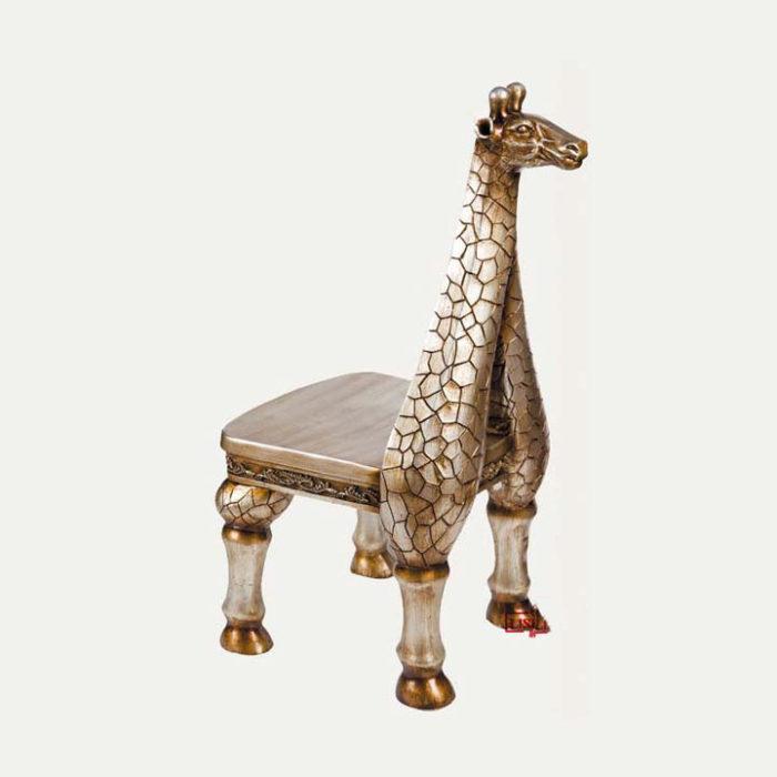 silla en forma de jirafa