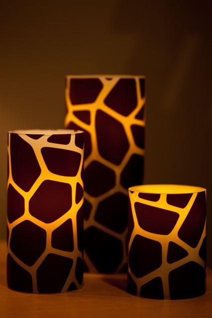 vasos para velas con el diseño de jirafas