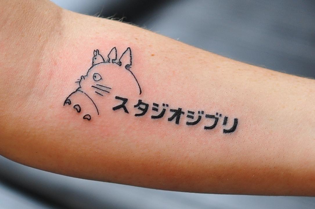 22 tatuajes inspirados en los hayao miyazaki films y totoro