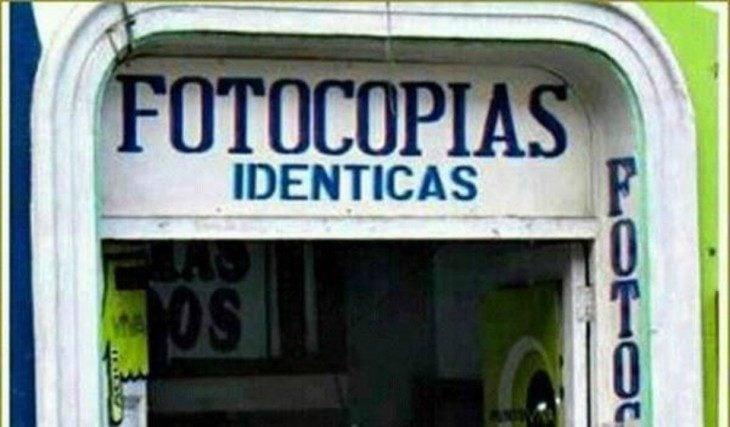 Ironía, sacan fotocopias idénticas