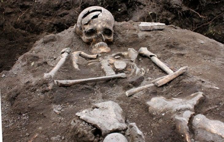 Esqueleto enterrado