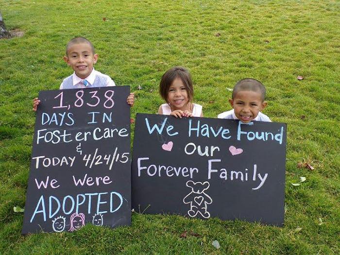 Tres niños fueron adoptados después de 1,838 días