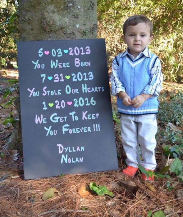 niño fue adoptado después de 3 años de estar sin familia