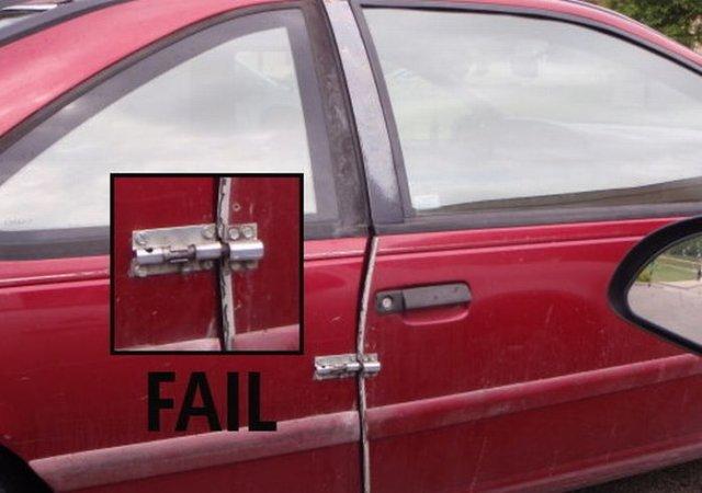 carro con un pasador para cerrar la puerta