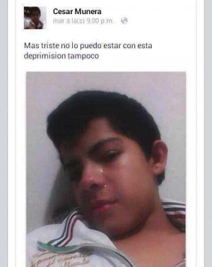 """estado de internet un chico subió una foto suya llorando y pone """"deprimision"""" en lugar de depresión"""