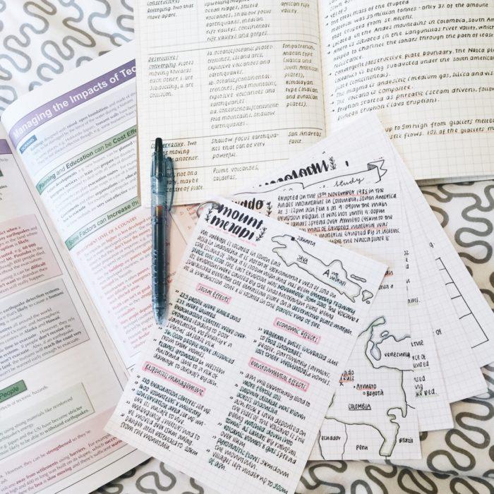 Apuntes organizados e inspiradores. Hojas para estudiar con bonita tipografía