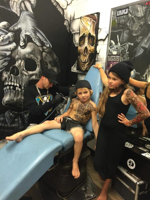 niños con tatuajes