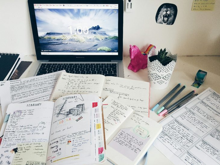 Apuntes organizados e inspiradores. Muchos apuntes muy organizado
