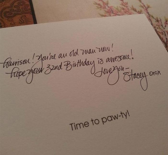 recado de una persona con la caligrafía perfecta