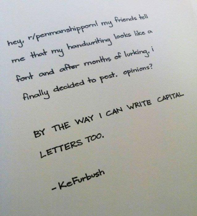 poema perfectamente organizado en una hoja de papel