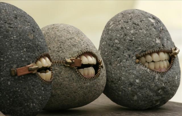 piedras con dientes