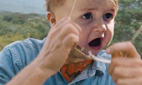 cara de un bebé sorprendido