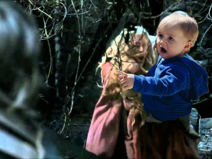 bebé sorprendido en una escena de la serie Game of Thrones