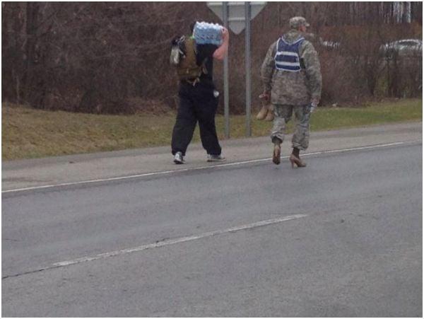 soldado con tacones
