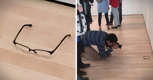 Joven pone un par de lentes en una galería y las personas piensan que es Arte