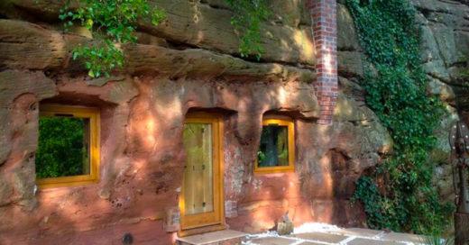 Hombre convierte cueva en una espectacular casa