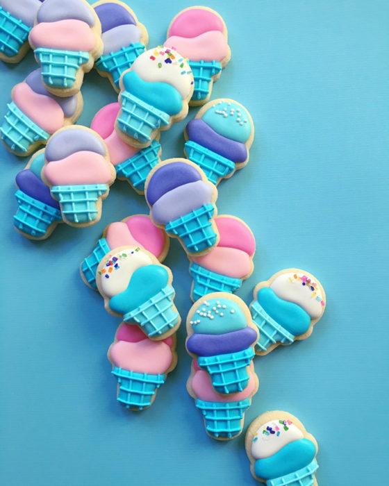 galletas en forma de conos de nieve
