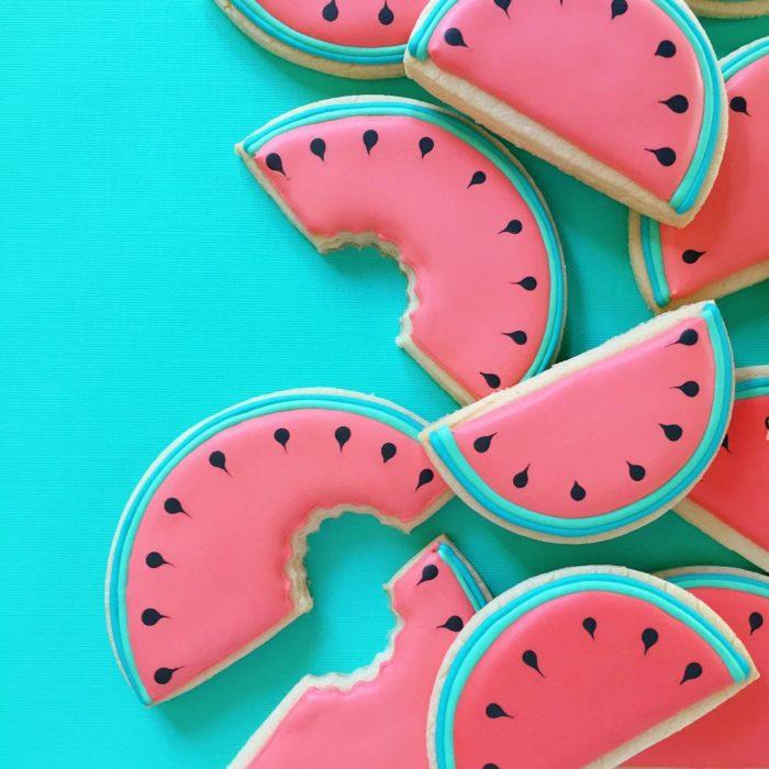 galletas en forma de pedazos de sandías