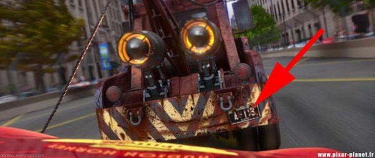 Disney, en la película de Cars en la placa de una grúa aparece el código A113