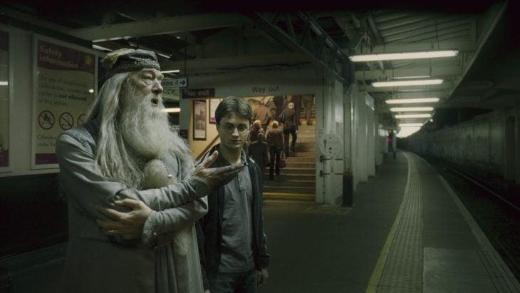 harry potter y Dumbledore en Harry Potter y la cámara secreta