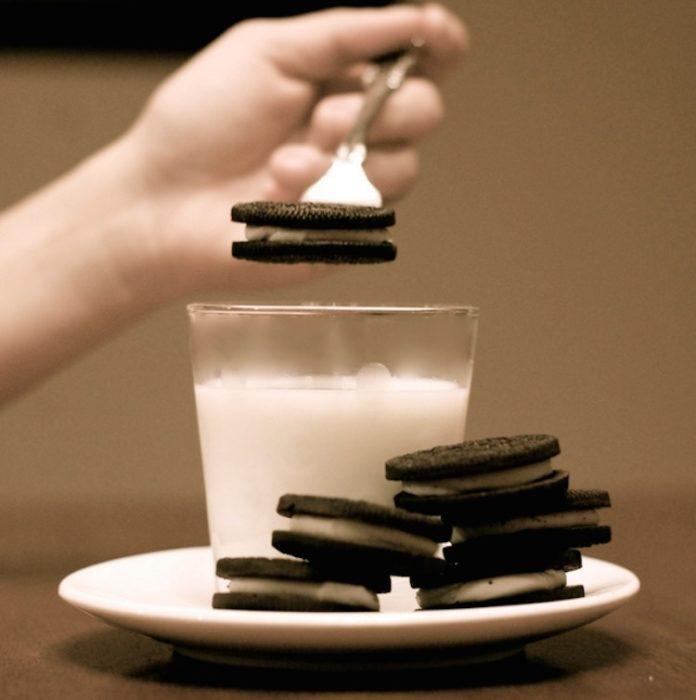Cómo comer galletas sin tener que mojarte los dedos