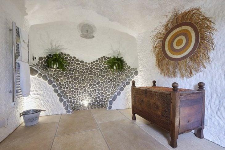 interior de la cueva de 700 años que se convirtió en una increíble casa