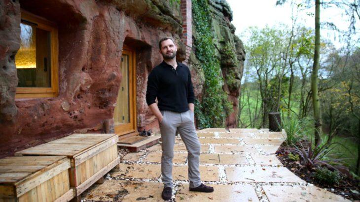 Angelo Mastropietro, el hombre que convirtió una cueva de 700 años en una casa increíble