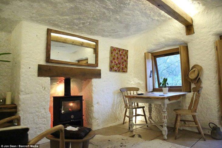 muebles dentro de la RockHouse en Inglaterra