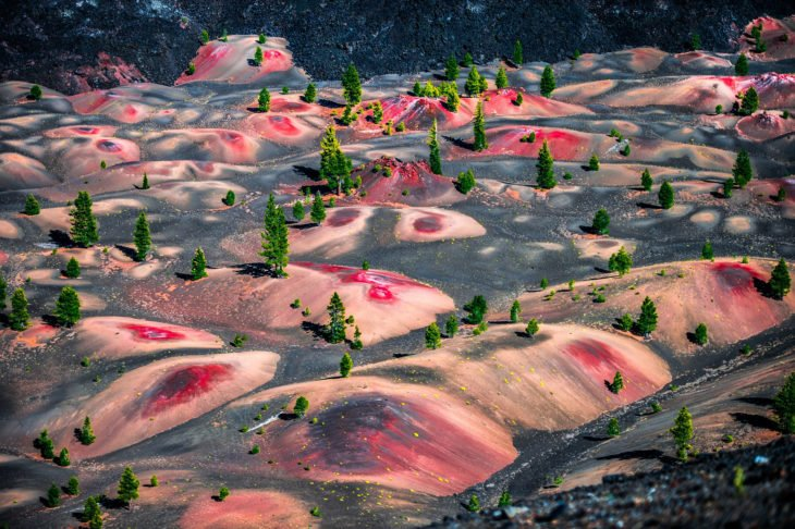 extraordinario paisaje del parque nacional volcánico Lassen en los Estados Unidos
