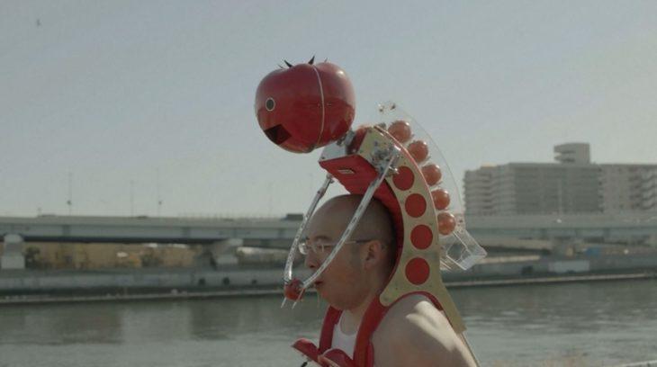 Tomatan es un robot que te da tomates mientras corres