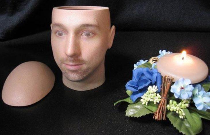 urnas de cenizas personalizadas con la cara de la persona que murió