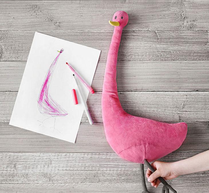 un Flamingo dibujado por una niña