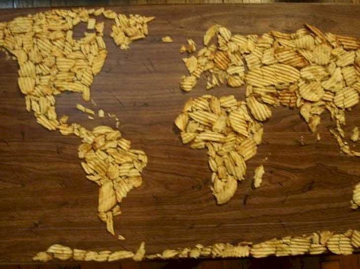 hambre hace mapamundi con unas papitas