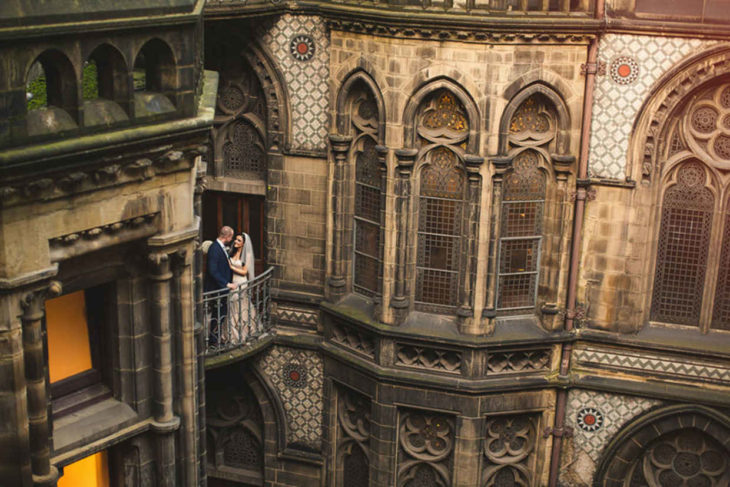 Cassie y Lewis Byrom celebraron su boda al estilo Harry Potter