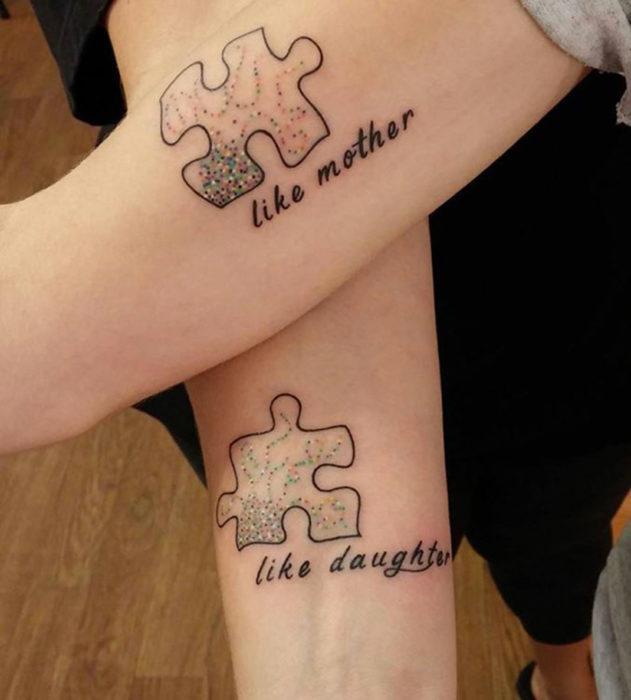 tatuajes madre e hiza pieza de rompecabezas