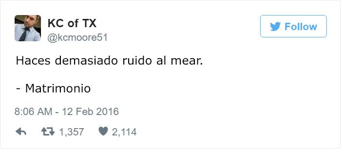 CUANDO ORINAS Y HACES MUCHO RUIDO