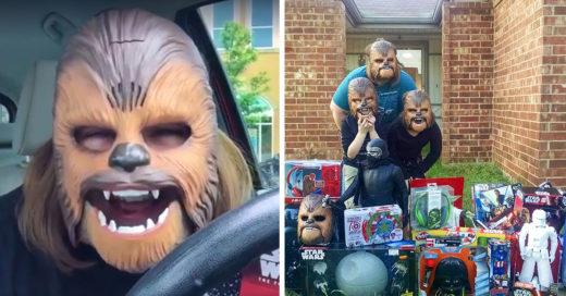 La mujer del video viral de Chewbacca recibió juguetes de regalo