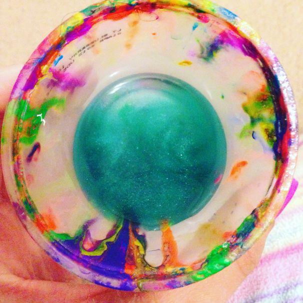 vaso usado de acuarelas