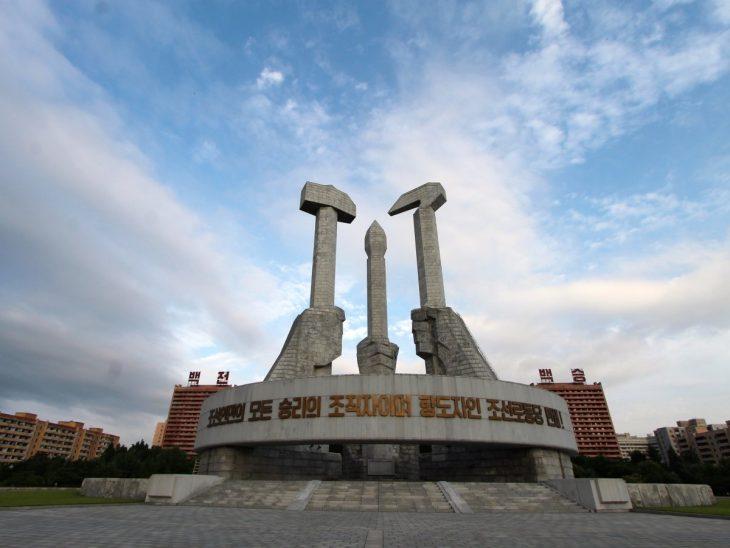 monumento de los obreros en Corea del Norte