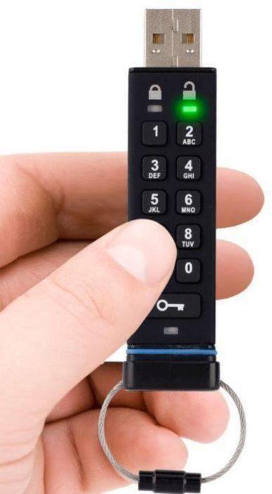 Memoria USB con código