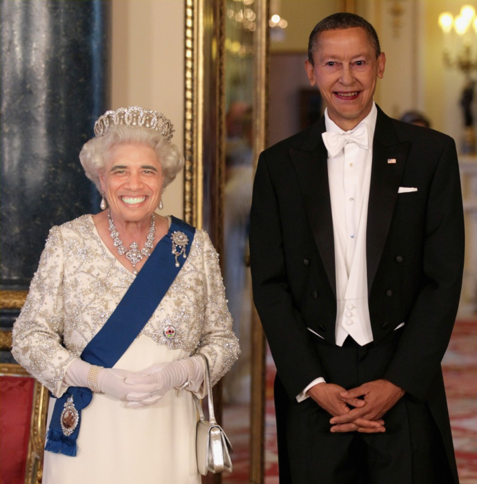queen elizabeth y barack obama face swap