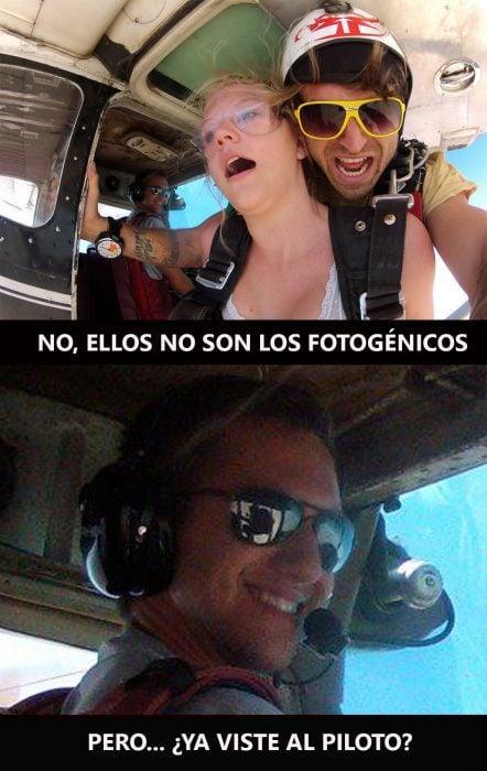 Mientras una mujer se avienta del paracaídas el piloto mira de lejos pero aun así roba la cámara