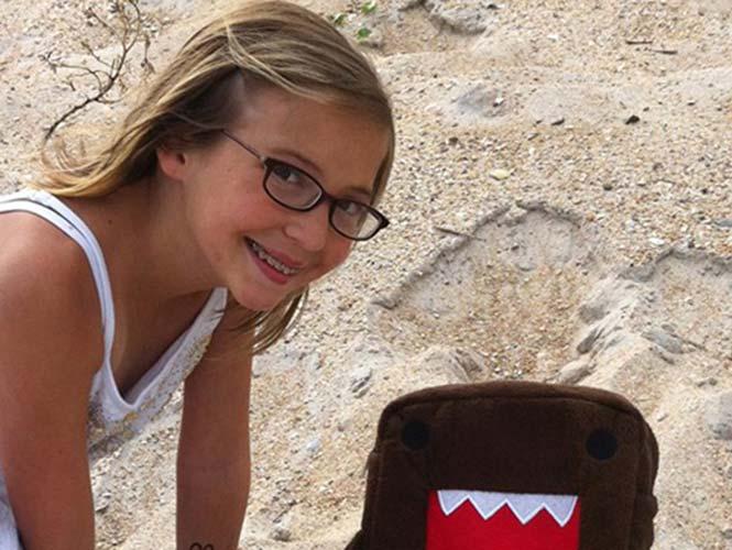 niña de 12 años con su carta