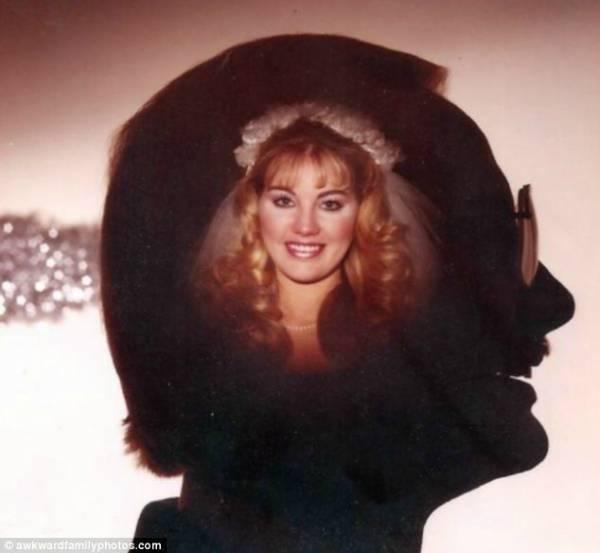 hombre con imagen de esposa en cabeza